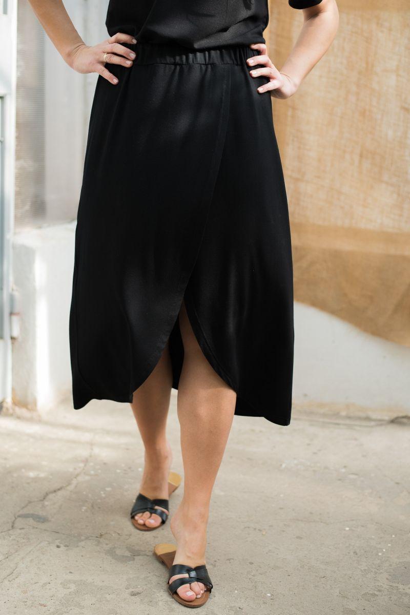 Spódnica kopertowa z tencelu czarna