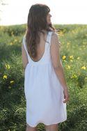 Sukienka lniana z dekoltem na plecach biała