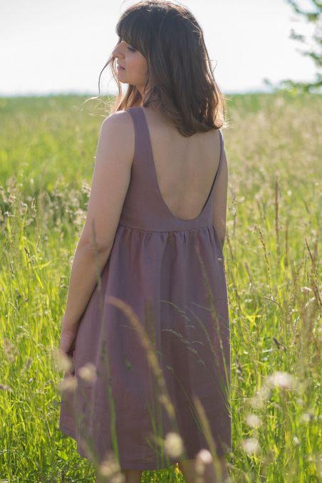 Sukienka lniana z dekoltem na plecach róż