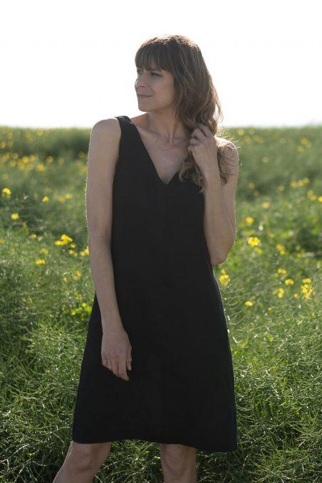 Sukienka lniana na ramiączkach czarna