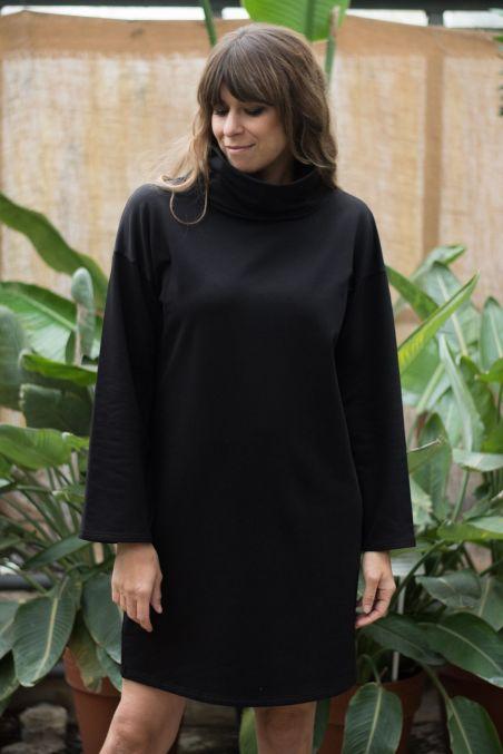 Sukienka oversize z golfem z bawełny organicznej