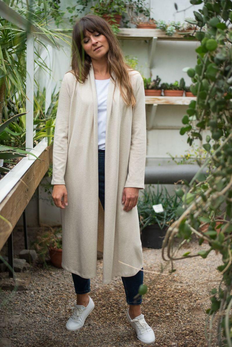 Długi kardigan jasnobeżowy z bawełny organicznej GOTS