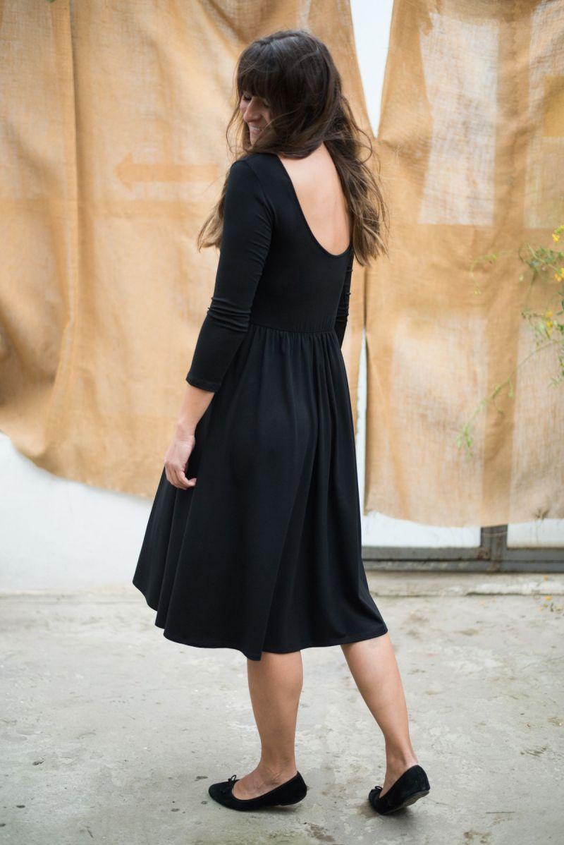 Sukienka odcinana w pasie z dekoltem na plecach z tencelu