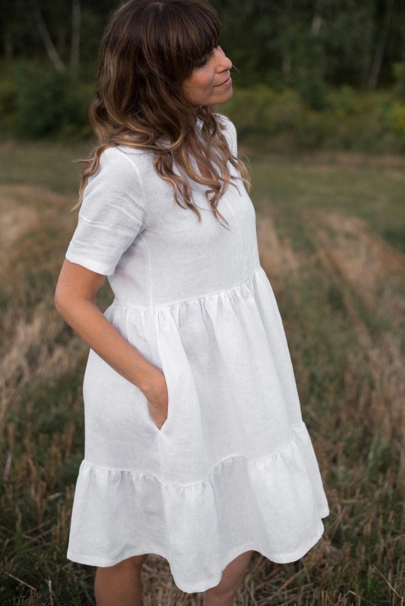 Sukienka biała z falbanami lniana