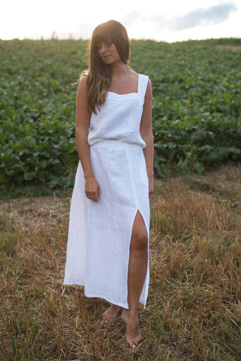 Lniana biała maxi spódnica z rozcięciem z przodu
