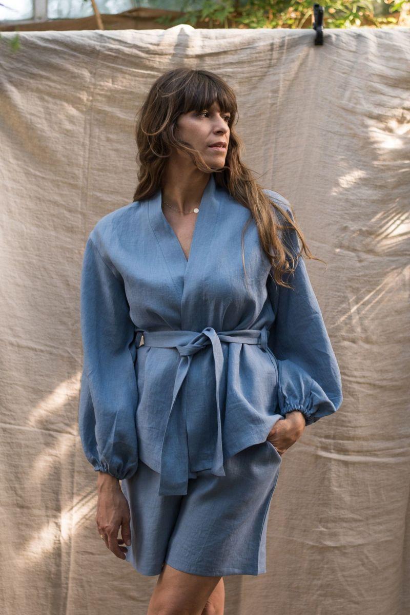 Lniane niebieskie kimono z baloniastymi rękawami