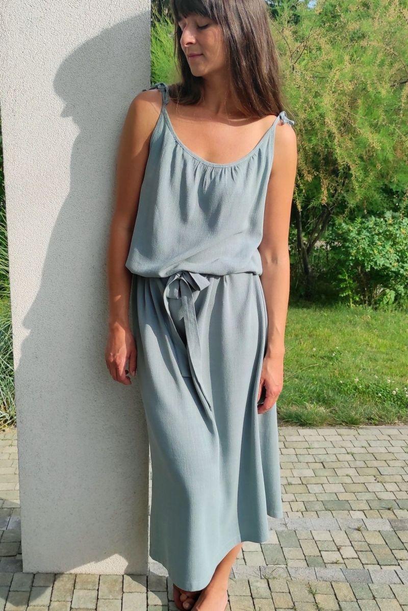Sukienka maxi z lnem wiązana w kolorze jadeitu